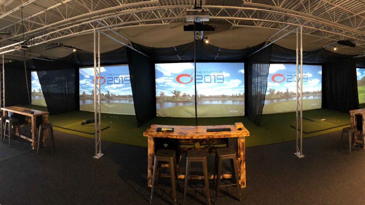How to improve your Indoor Golf skills with a Simulator